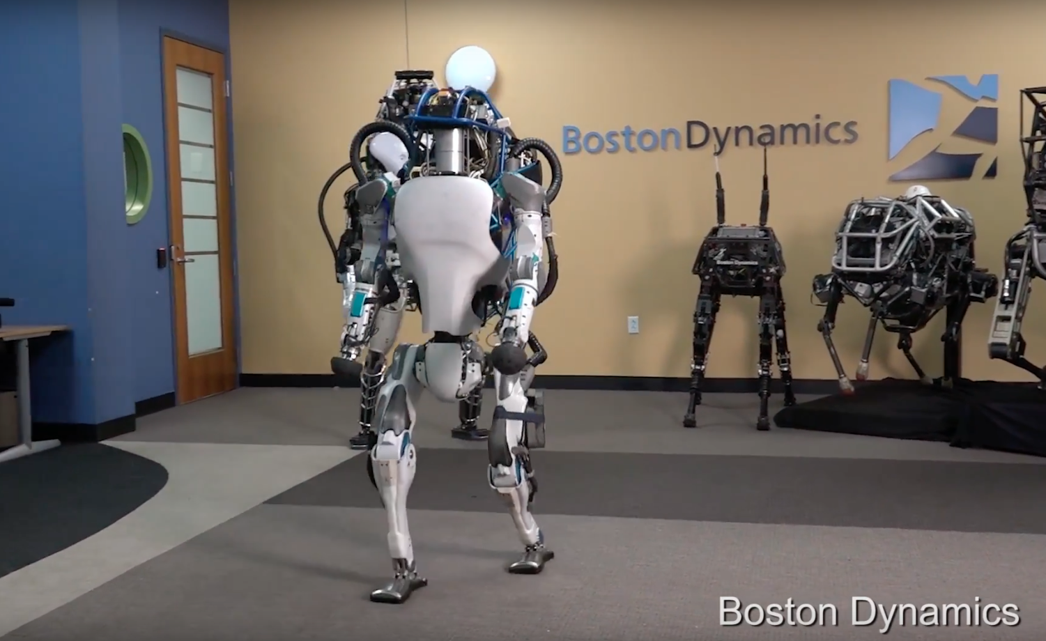 "Boston Dynamics shows off its new ""toy"". Its creepy, scary and impressive!"
